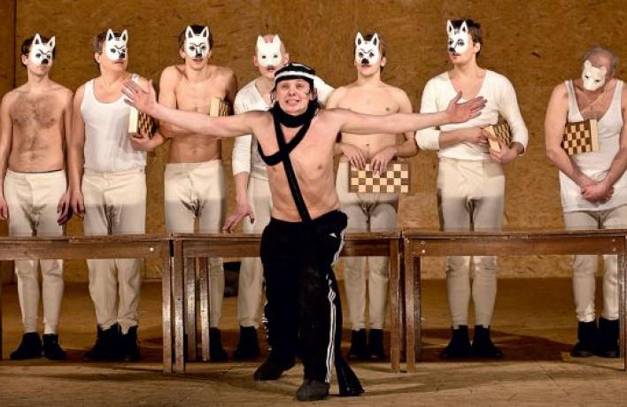 spektakl-gde-vse-golie
