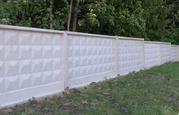 Все бетонные заборы заменят напрозрачные