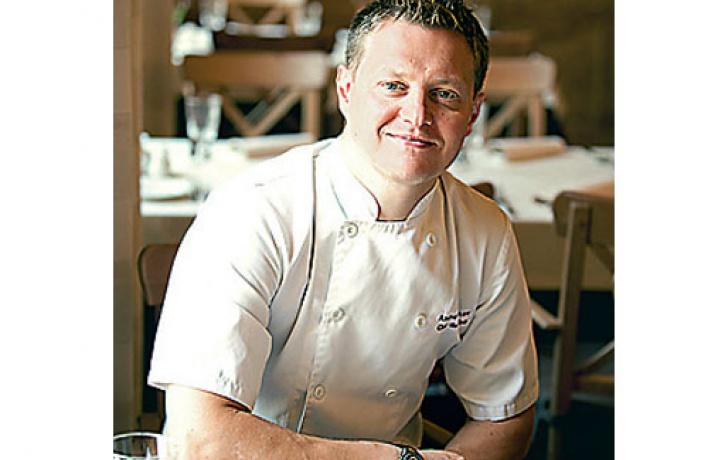 Шеф-повар ресторана «Лапландия» рассказывает орождественском иновогоднем меню.