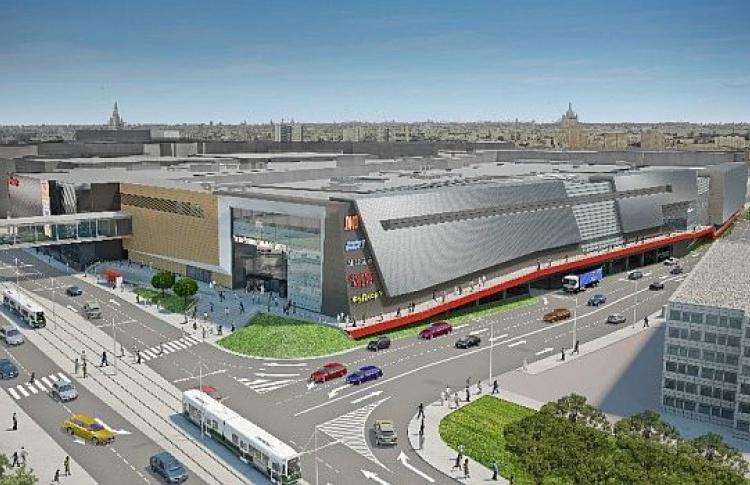 НаЛенинском появился гигантский торговый центр