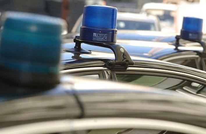 Водителя избили зато, что оннеуступил дорогу машине соспецсигналом