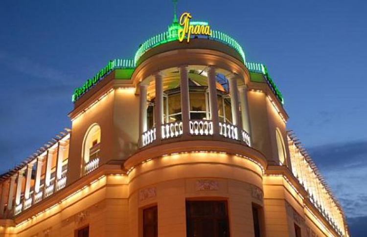 Роберто Кавалли покупает ресторан «Прага»