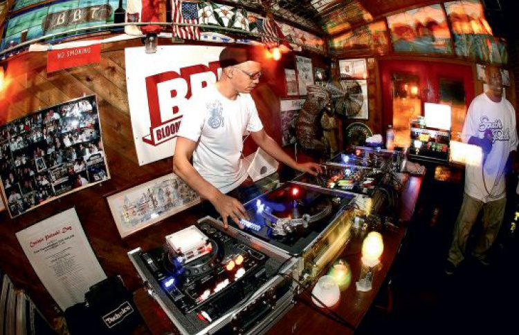 Steppin Sessions: DJs LTJ Bukem feat. MC Conrad, Electrosoul System, Subwave, Cutworks, Renton feat. Magellan, Faib, Phlorid, Тема Родин