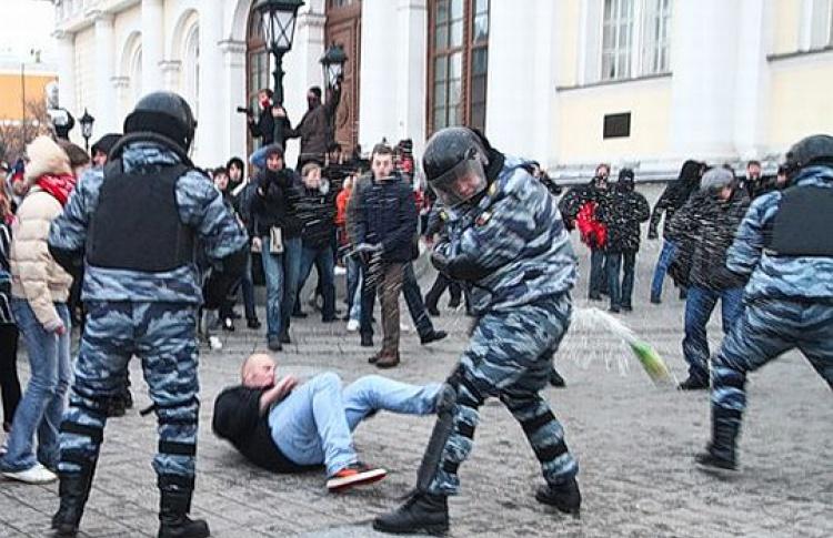 Видеохроника. Беспорядки вцентре Москвы