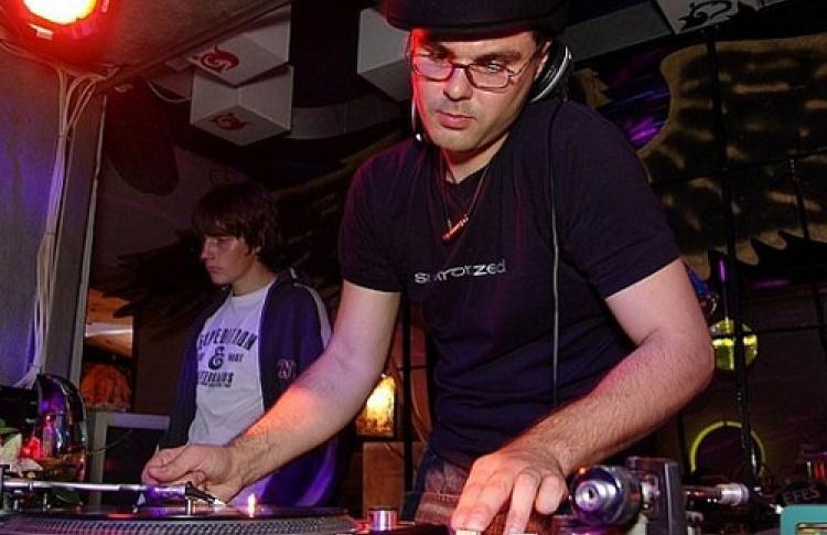 ПАРъ.spb sound system: The DJ. DJs Strong, Loveski, Slon, Lena Popova, Primat, Raf, Sahaj