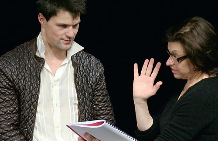 Клаудиа Стависки: «Актеры МДТ все схватывают налету»