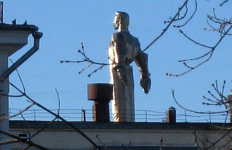 Памятник Юрию Гагарину «исчез» cЛенинского проспекта