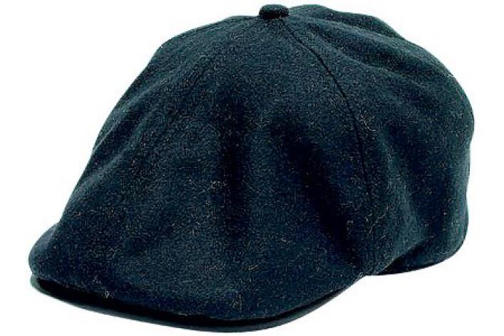 9мужских шапок…