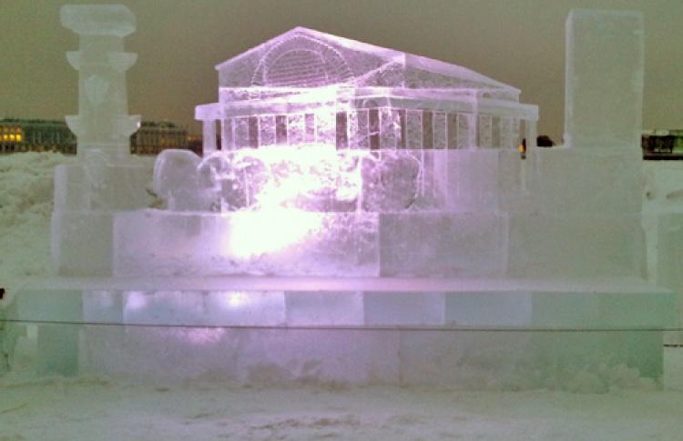 Ежегодный фестиваль ледовых скульптур «Империя льда»