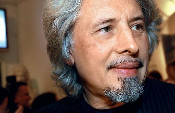 Вдебатах литературной премии «НОС» Пелевин проиграл Сорокину