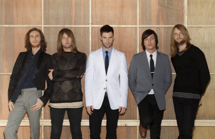 Maroon 5сновым альбомом «Hands all over»