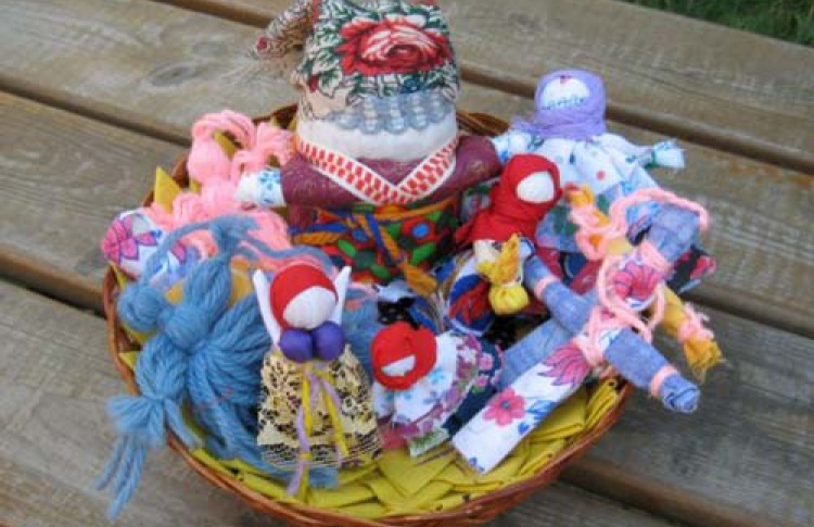 """Куклы из бабушкиного сундука"": ""Обрядовые праздничные куклы"""