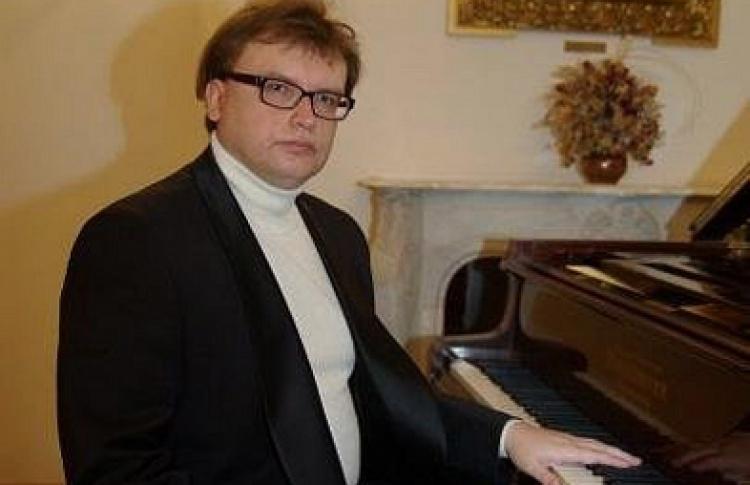 Концерт русской фортепианной музыки. Владимир Беломестных
