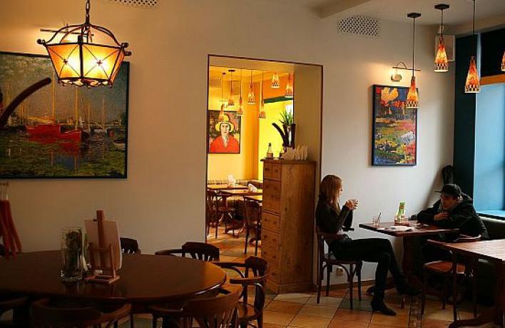 Вцентре Москвы открылось третье вегетарианское кафе