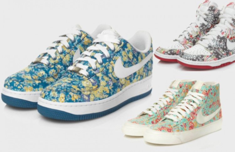 Принтованные кроссовки Nike
