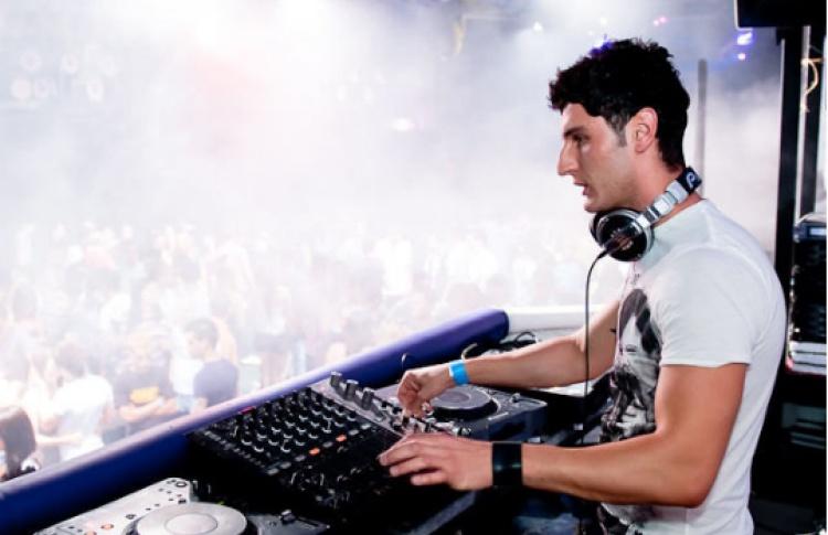 ARMADA: DJs W&W, TyDi, Tenishia, Ruben de Ronde