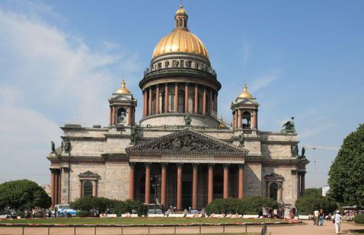 Петербург вошел вдесятку лучших туристических направлений