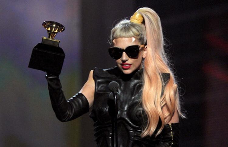 Леди Гага выложила всеть свой альбом Born This Way
