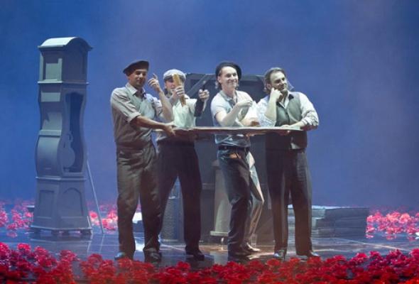 Опера «Богема» впостановке Арно Бернара - Фото №2