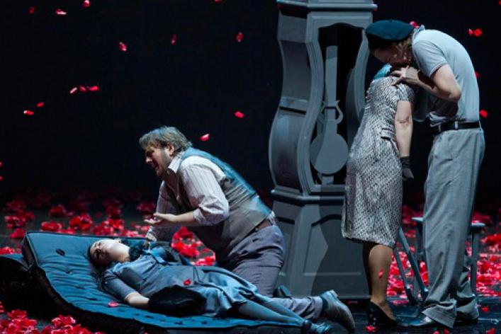 Опера «Богема» впостановке Арно Бернара