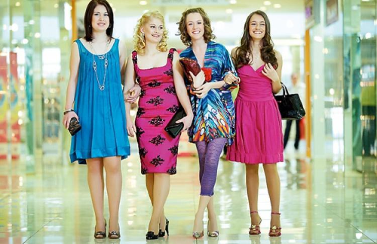 Выпускные платья соскидкой 70% во«Владимирском пассаже»