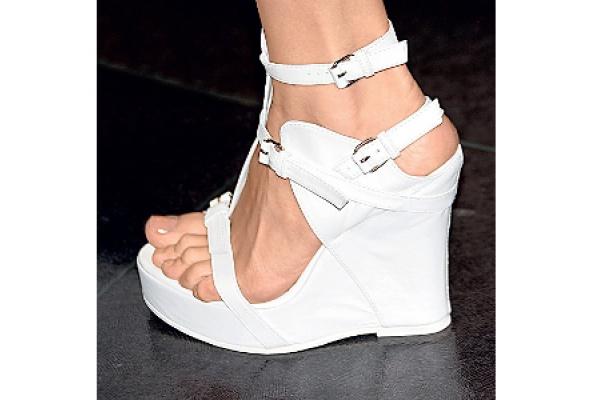 Белая обувь - Фото №2