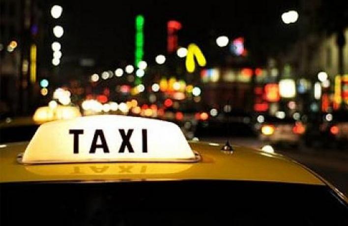 Cсентября таксисты обязаны будут ездить с«шашечками»