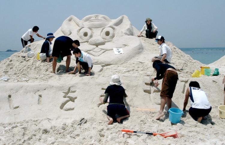 Детский чемпионат по скульптуре из песка