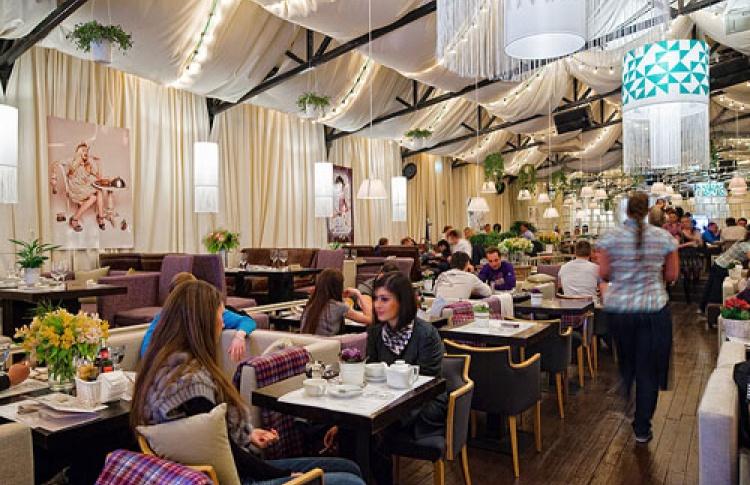 Вшестой раз ресторан «Шатёр» открывает летний сезон