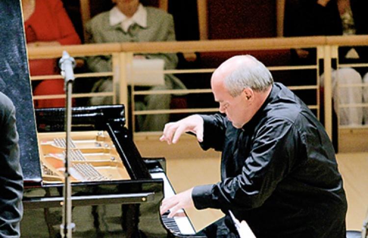 Симфонический оркестр Мариинского театра, солист Александр Торадзе (фортепиано), дирижер Валерий Гергиев