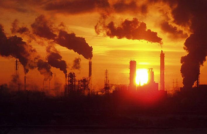 Из-зааномальной жары заводы сократят выбросы ватмосферу