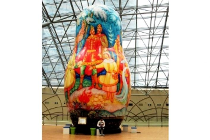 Выставка гигантских матрешек
