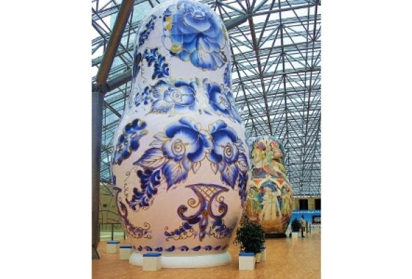 Выставка гигантских матрешек - Фото №1