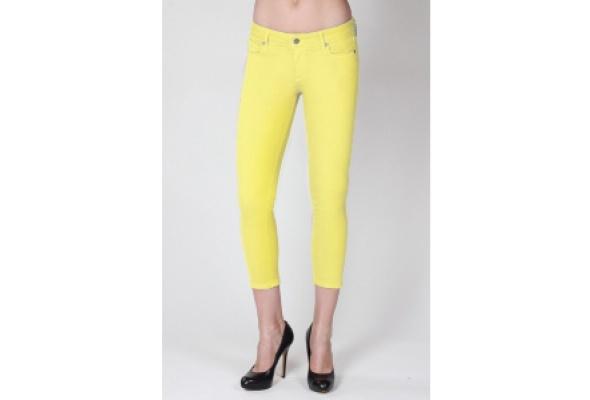 Лимитированная коллекция джинсов Paige Denim Roxbury поступила вЦУМ - Фото №0