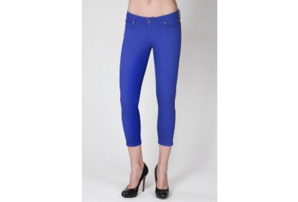 Лимитированная коллекция джинсов Paige Denim Roxbury поступила вЦУМ - Фото №1