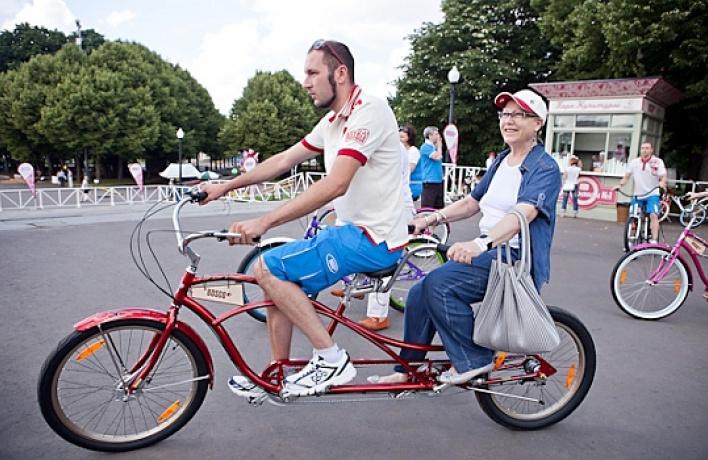 ВПарке Горького появились 65модных велосипедов напрокат