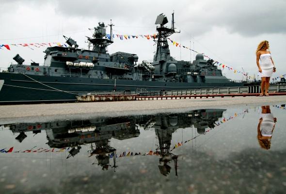 Фотоотчет: Как прошел День Военно-Морского флота вПетербурге - Фото №0