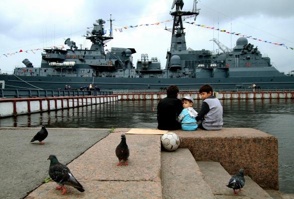Фотоотчет: Как прошел День Военно-Морского флота вПетербурге - Фото №1
