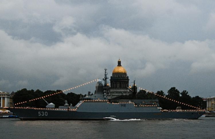 Фотоотчет: Как прошел День Военно-Морского флота в Петербурге