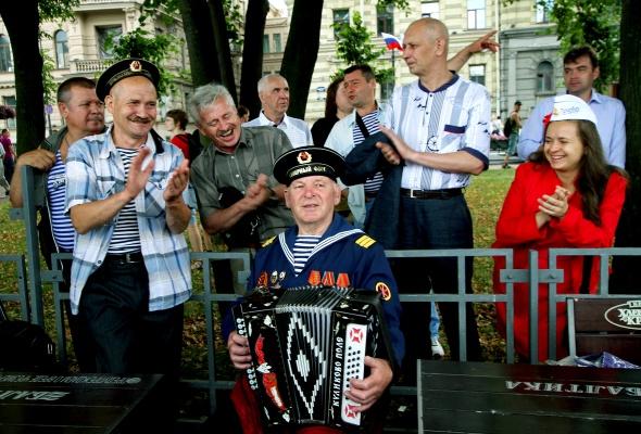 Фотоотчет: Как прошел День Военно-Морского флота вПетербурге - Фото №4