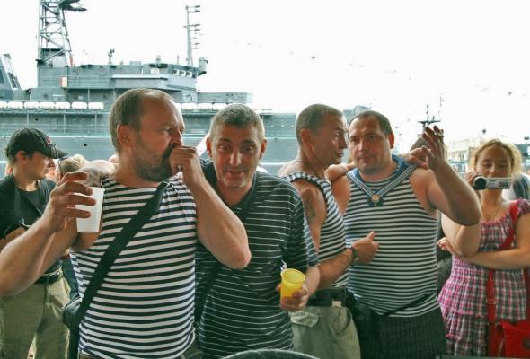 Фотоотчет: Как прошел День Военно-Морского флота вПетербурге - Фото №5
