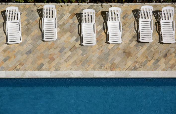 На«Флаконе» открылся бассейн ипляж