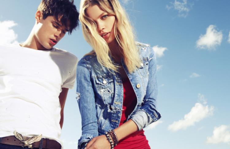 Открываются магазины простой инедорогой одежды American Eagle
