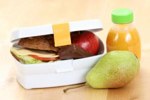 Школьников теперь будут кормить самолетным питанием