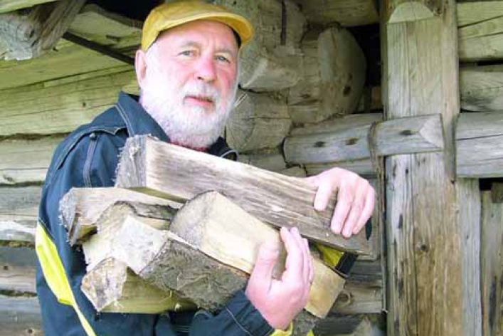 Андрей Харшак купил домик в деревне