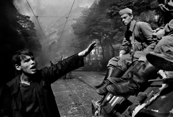 Йозеф Коуделка «Вторжение 68 Прага» - Фото №3