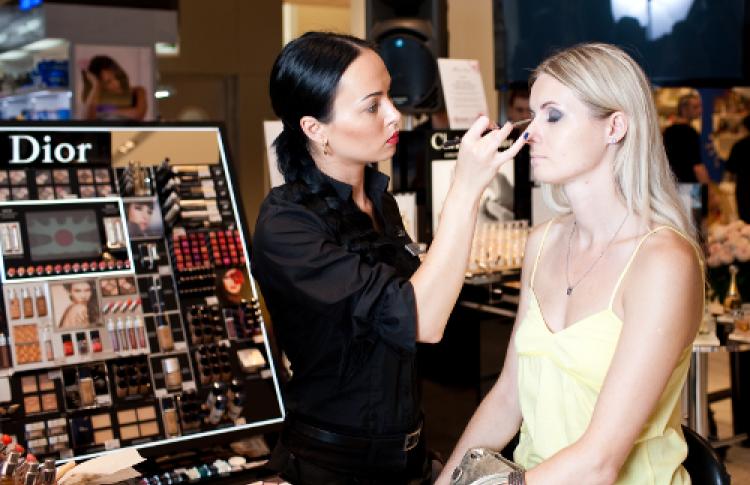 Шоу подиумного макияжа Dior