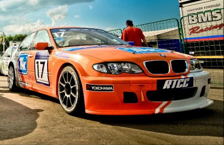 Соревнования по автомобильным кольцевым гонкам