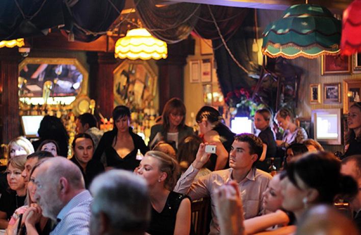 Джаз-бар «48стульев» открывает свои двери наулице Рубинштейна, 5