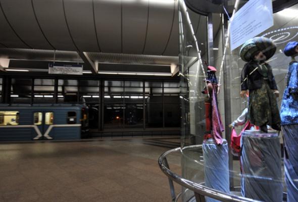 Настанции метро «Воробьевы горы» открылась выставка кукол - Фото №2